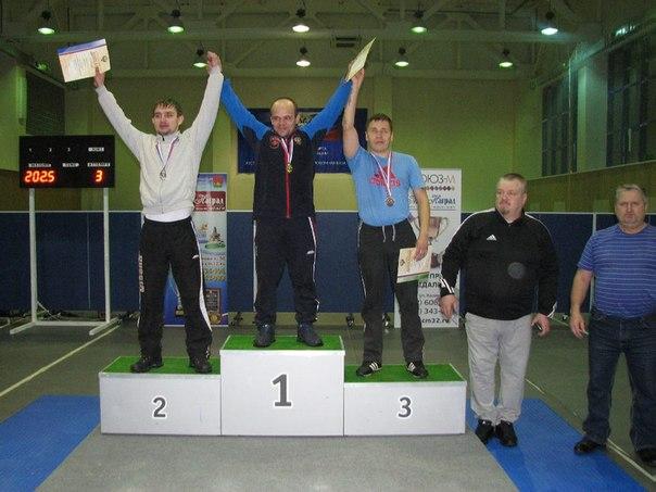 Азат Фаррахов из Нижневартовска турнир по пауэрлифтингу