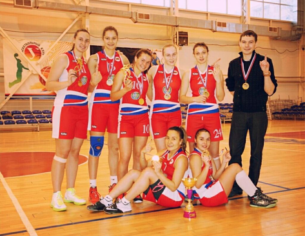 Женская баскетбольная команда СурГУ из Сургута