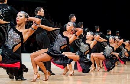Танцевальный спорт команды формейшн