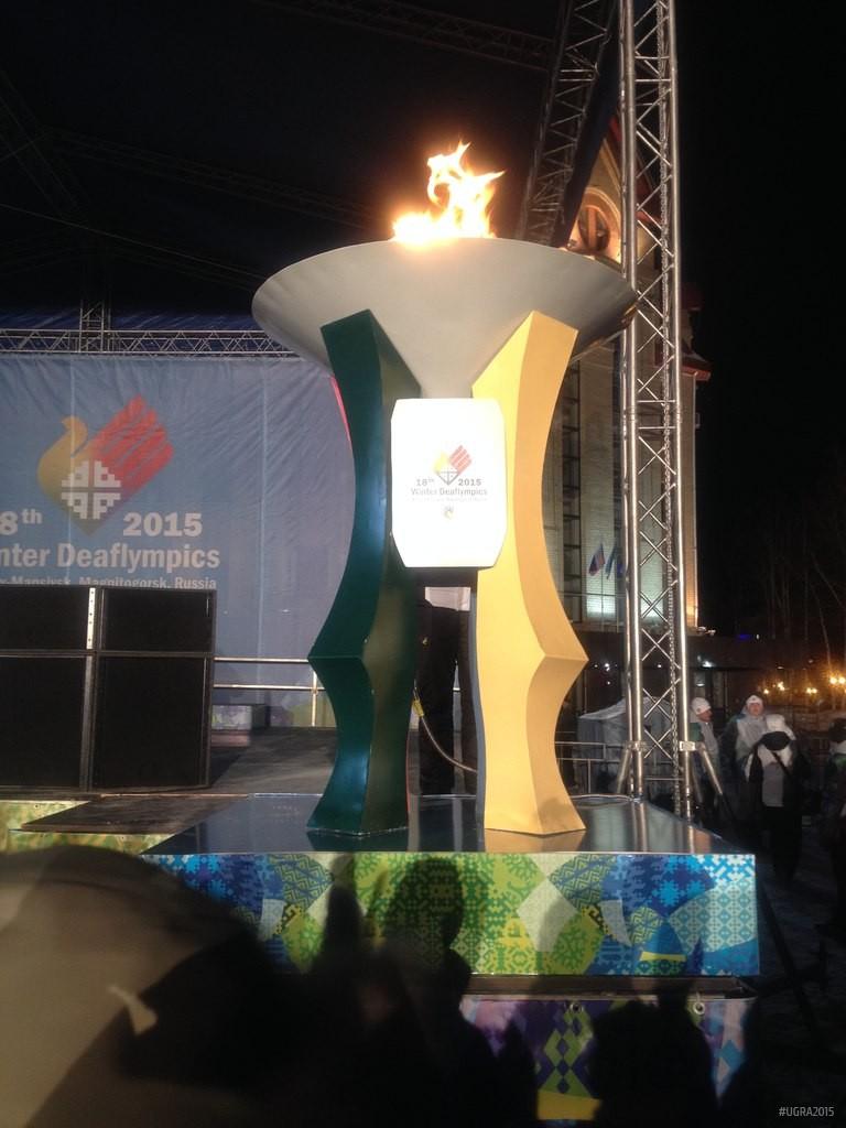 Сурдлимпийский огонь факел