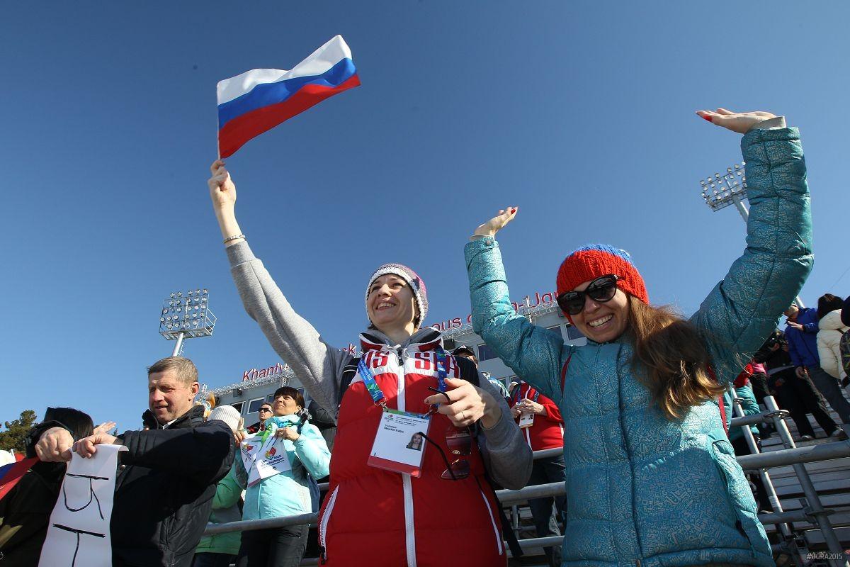 Болельщики на стадионе Сурдлимпийских игр