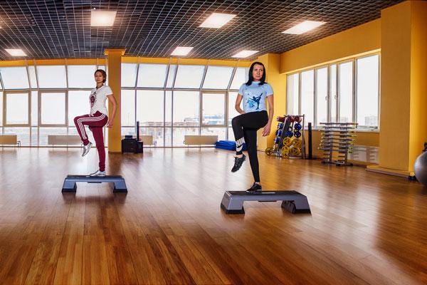 групповые занятия по фитнесу в Сургуте Максимум