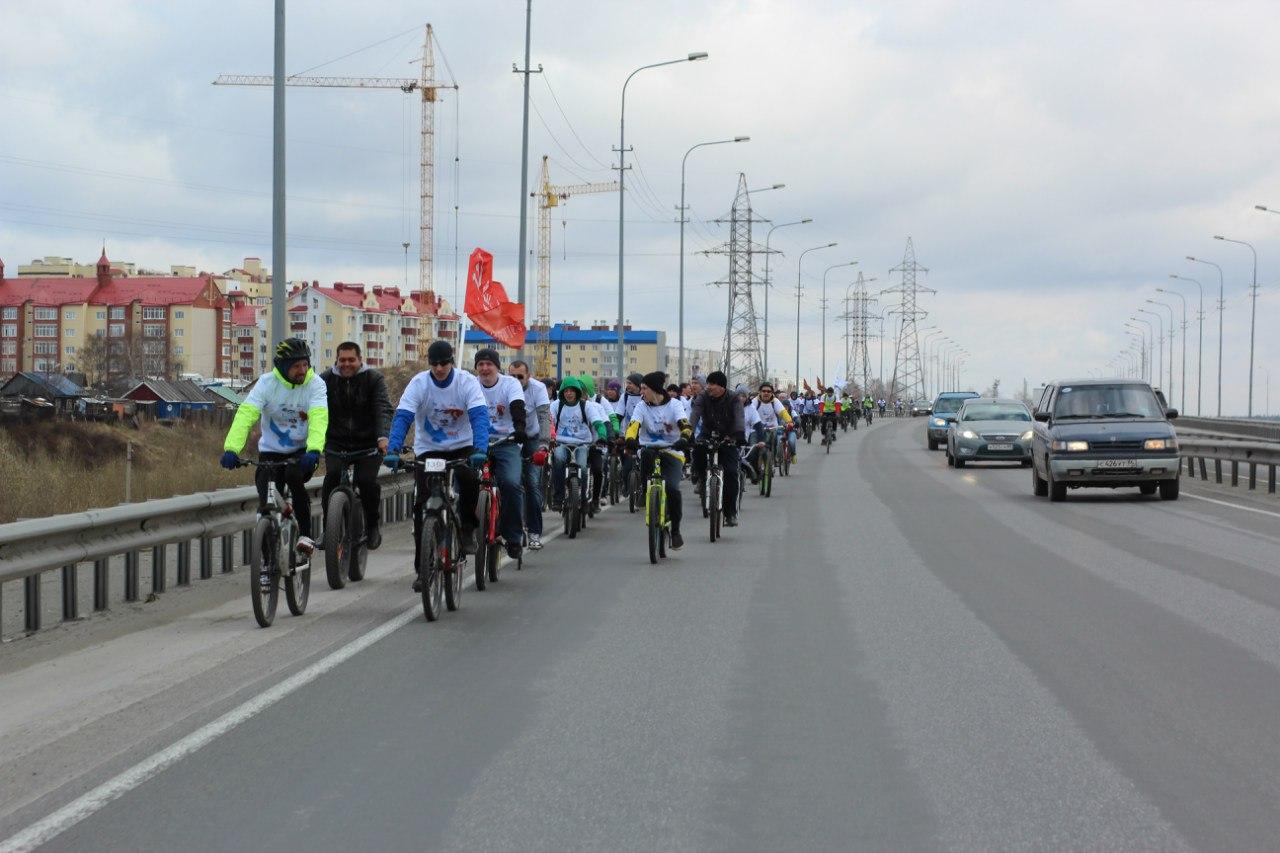 Велосипедисты Сургута