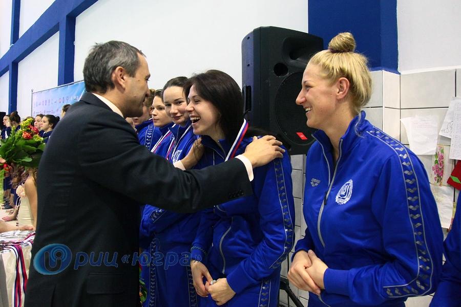 Награждение ватерпольного клуба Югра Ханты-Мансийск