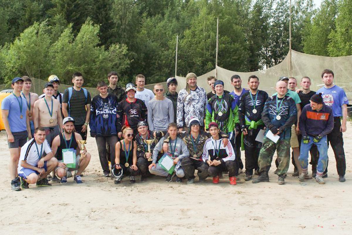 Участники турнира кубок губернатора ХМАО -ЮГРЫ по пейнтболу
