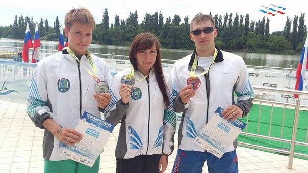 Сборная ХМАО по плаванию на открытой воде: Дарья Кулик, Иван Афаневич и Богдан Коваленко