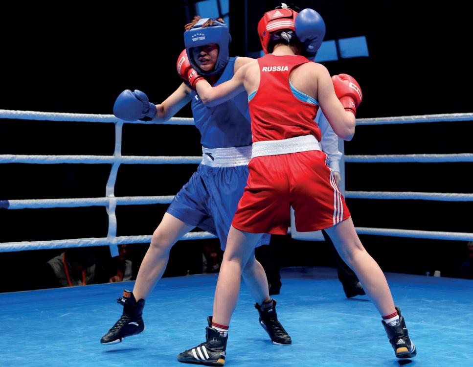 Боксеры ХМАО: синий и красный