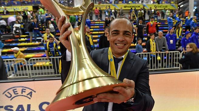 тренер Газпром-Югры бразилец Кака