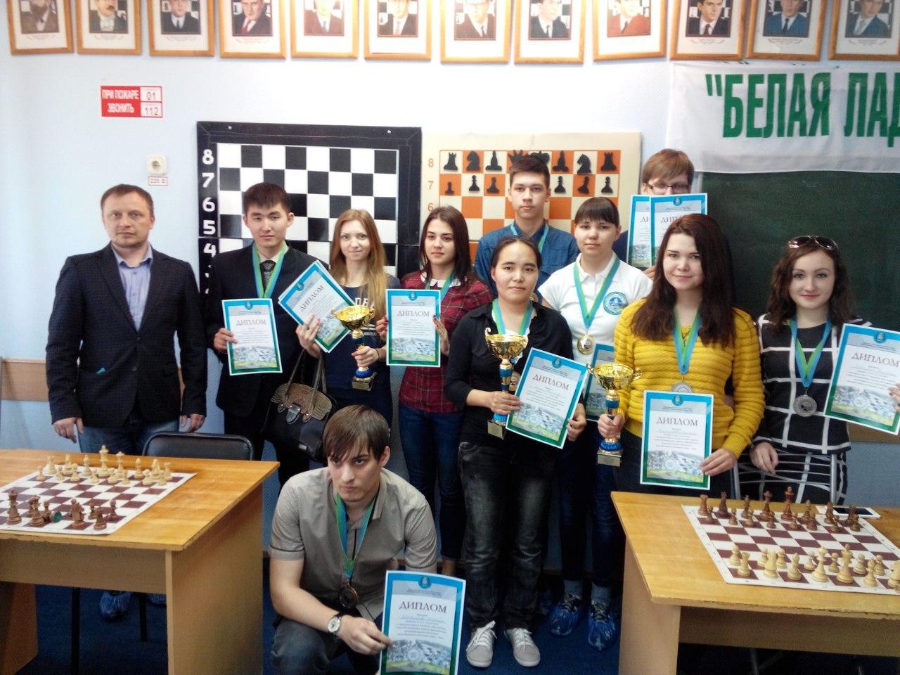 Молодые шахматисты ХМАО
