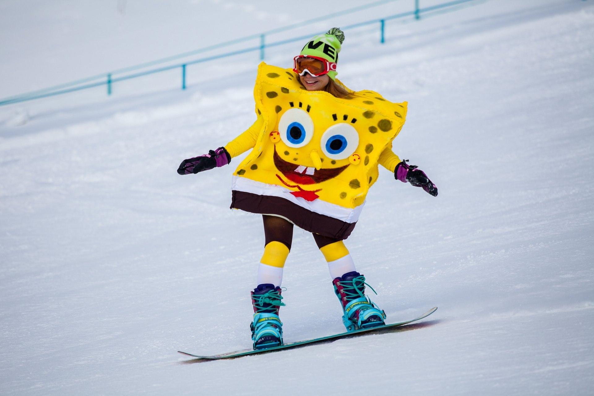 Спанч Боб костюм на горных лыжах