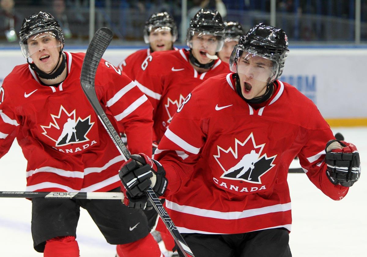Сборная Канады по хоккею и венгры