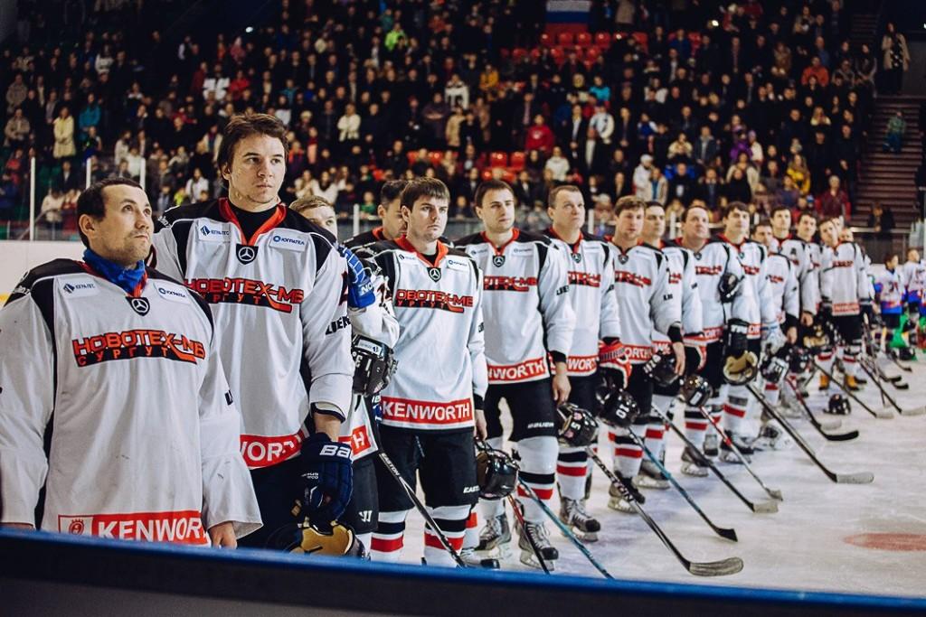 Новотех Сургут хоккей матч с Латвией