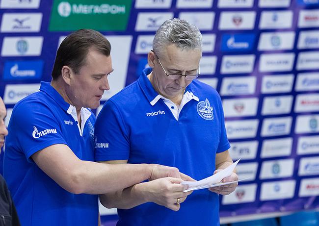 Тренеры Газпром-Югры Борис Гребенников и старшего тренера Виктора Козика