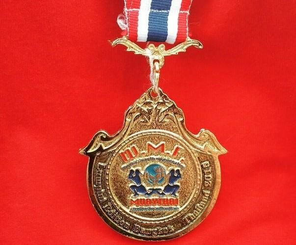 Золотая медаль чемпионата мира по тайскому боксу