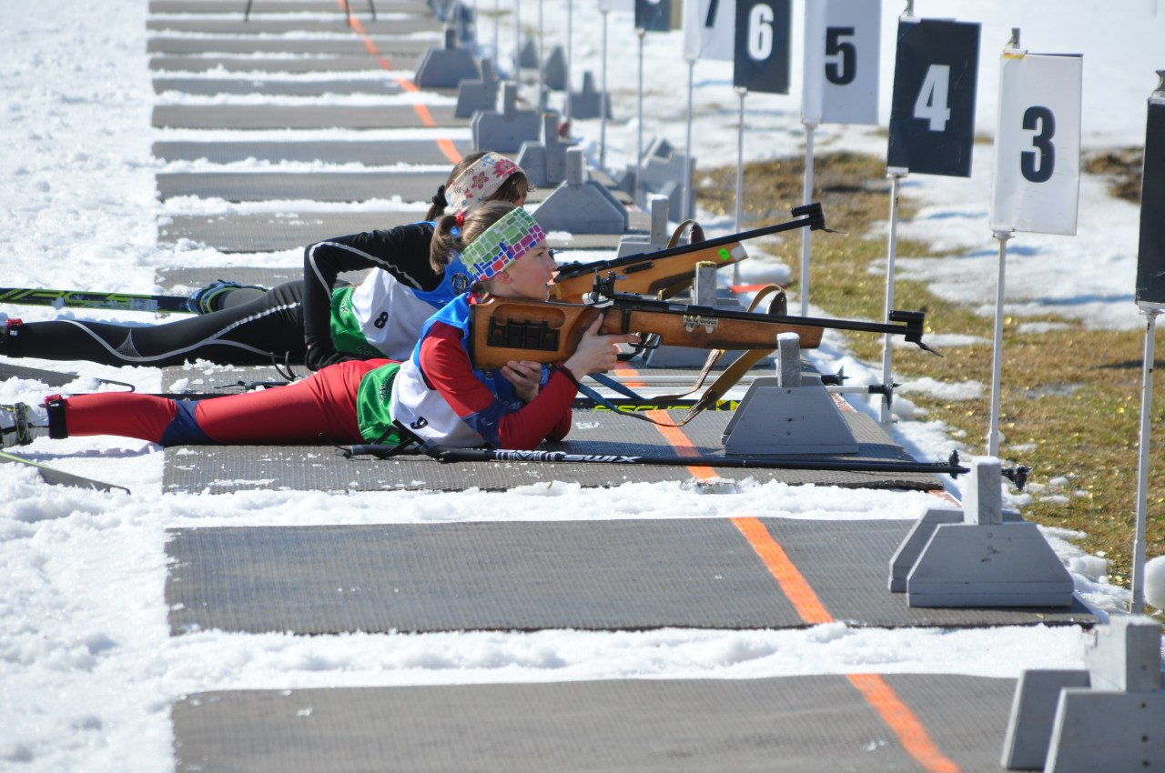 Юные биатлонистки Ханты-Мансийск молодежь