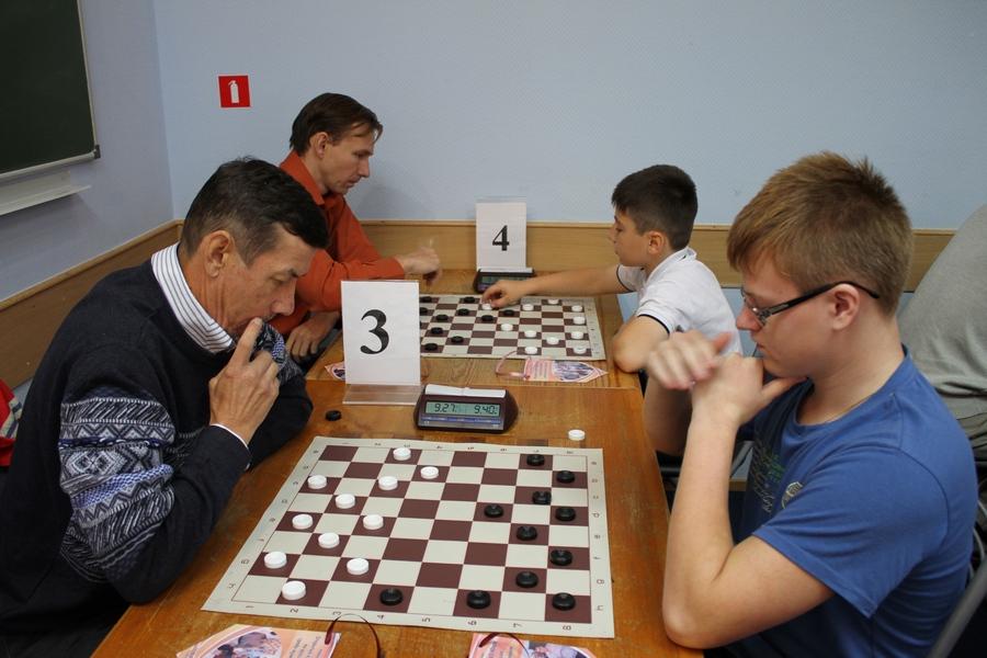 Русские шашки в хмао