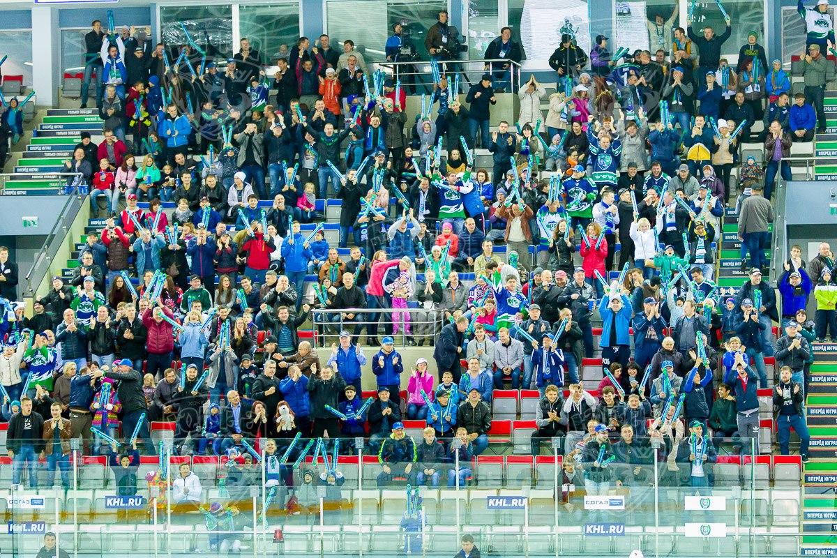 Фото болельщиков хоккейного клуба Югра из Ханты-Мансийска