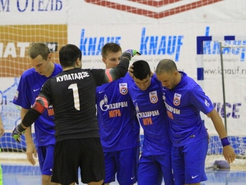 """Мини-футбольный клуб """"Газпром-Югра"""" в этом сезоне выступает на двух фронтах: чемпионат России и кубок УЕФА."""