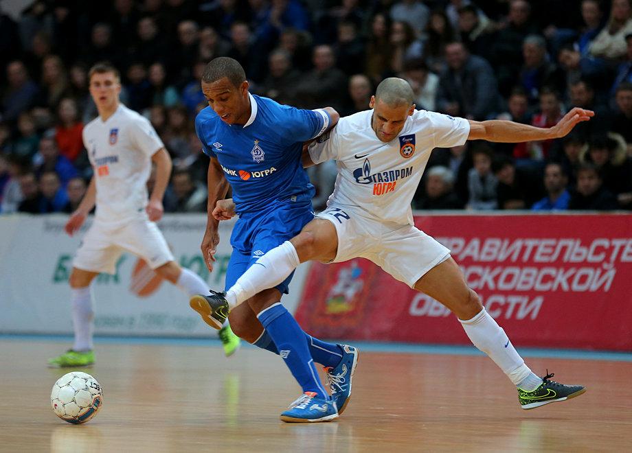 Динамо обыграло Газпром-Югру 28 ноября 2015