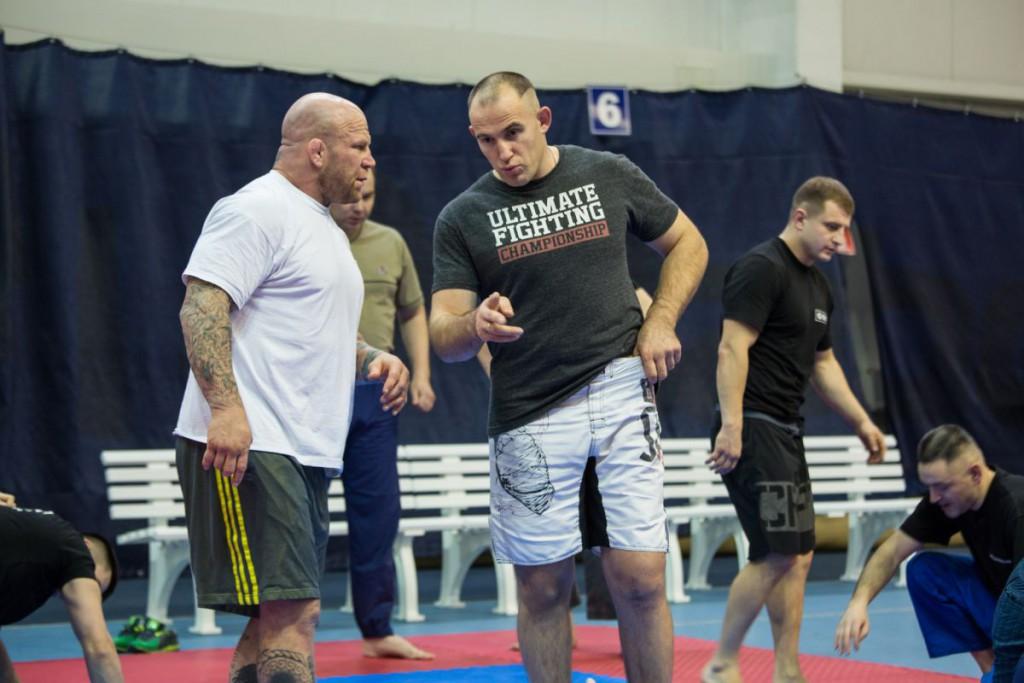 Монсон и Олейник на тренировке, мастер-классе