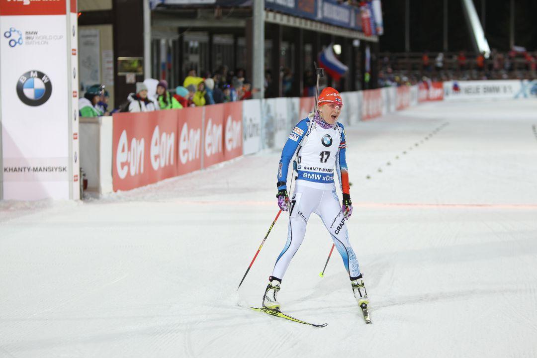 Кайса Мякяряйнен на финише гонки