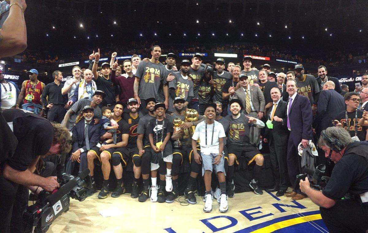 Фото победителей НБА после финала