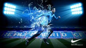 Криштиану Роналду бежит арт-картинка